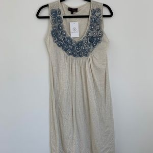 Sleeveless Round Neck Blue Roses Pleated Top (NEW)